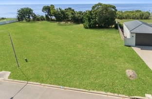 Picture of 14 Waterview Drive, Bushland Beach QLD 4818
