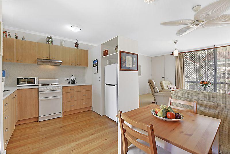 13/4 Beryl Street, Southport QLD 4215, Image 2
