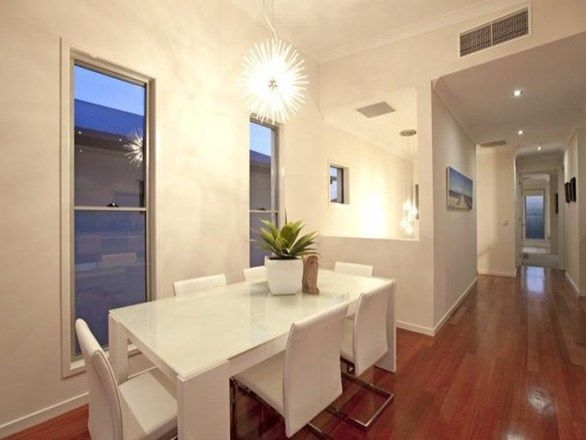329 Upper Esplanade, Manly QLD 4179, Image 2