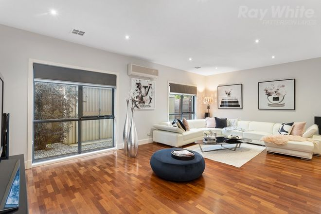 Picture of 21 Broadwater Drive, WATERWAYS VIC 3195