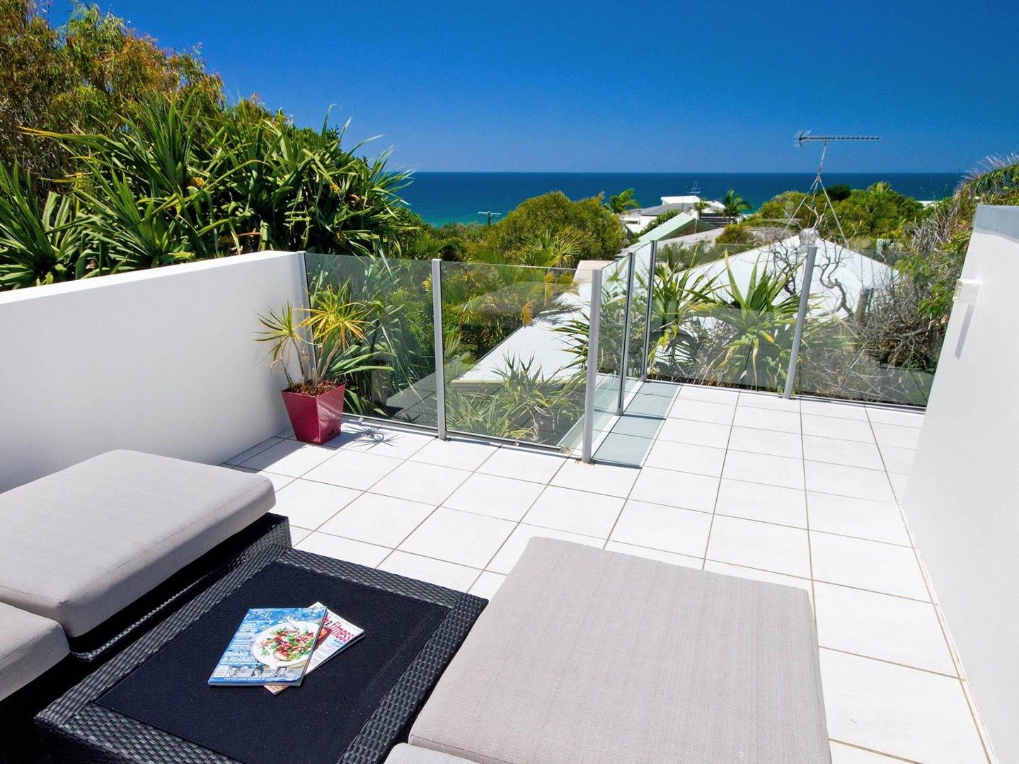 16 Ross Crescent, Sunshine Beach QLD 4567, Image 0