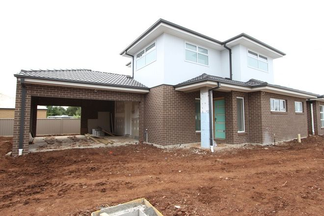 Picture of 2/246 Howe Street, MINERS REST VIC 3352