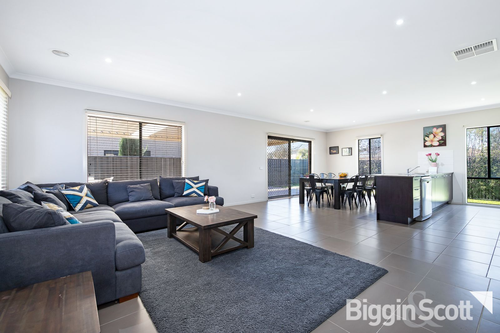 8 Blackberry Alley, Cranbourne North VIC 3977, Image 1