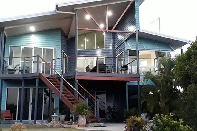 Picture of 33 Blackcurrent Drive, HIDEAWAY BAY QLD 4800