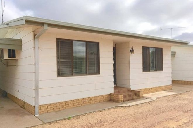 Picture of 2/425 Cadell Street, HAY NSW 2711