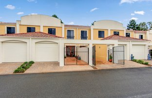 Picture of 8857 Magnolia Drive East, Hope Island QLD 4212