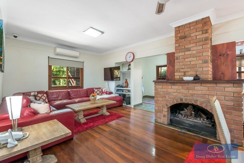 41 Harwood Street, Bardon QLD 4065, Image 2