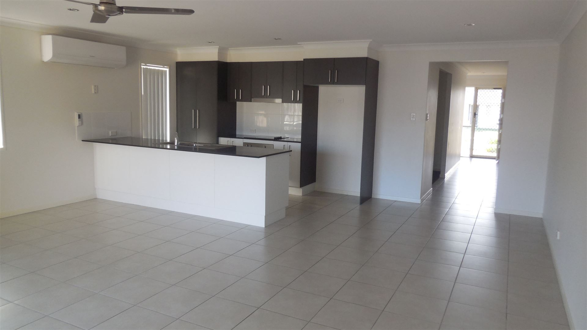 3 Yarrow Court, Bundamba QLD 4304, Image 2