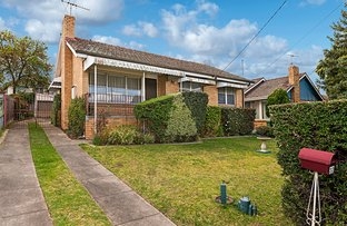 Picture of 32 Dorrington Avenue, Reservoir VIC 3073
