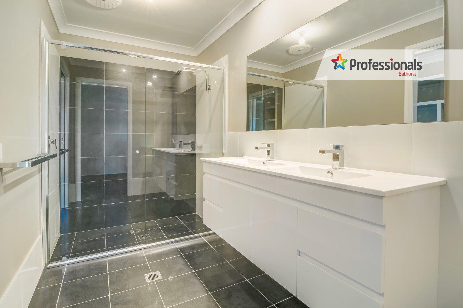 15 Darling Street, Eglinton NSW 2795, Image 2