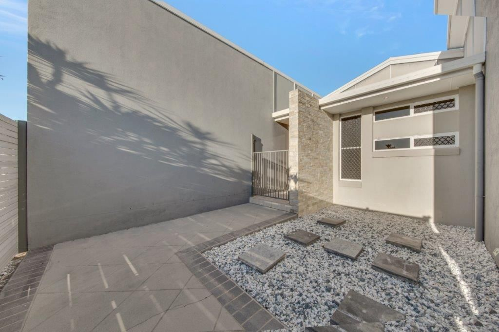 100 Penda Ave, New Auckland QLD 4680, Image 1