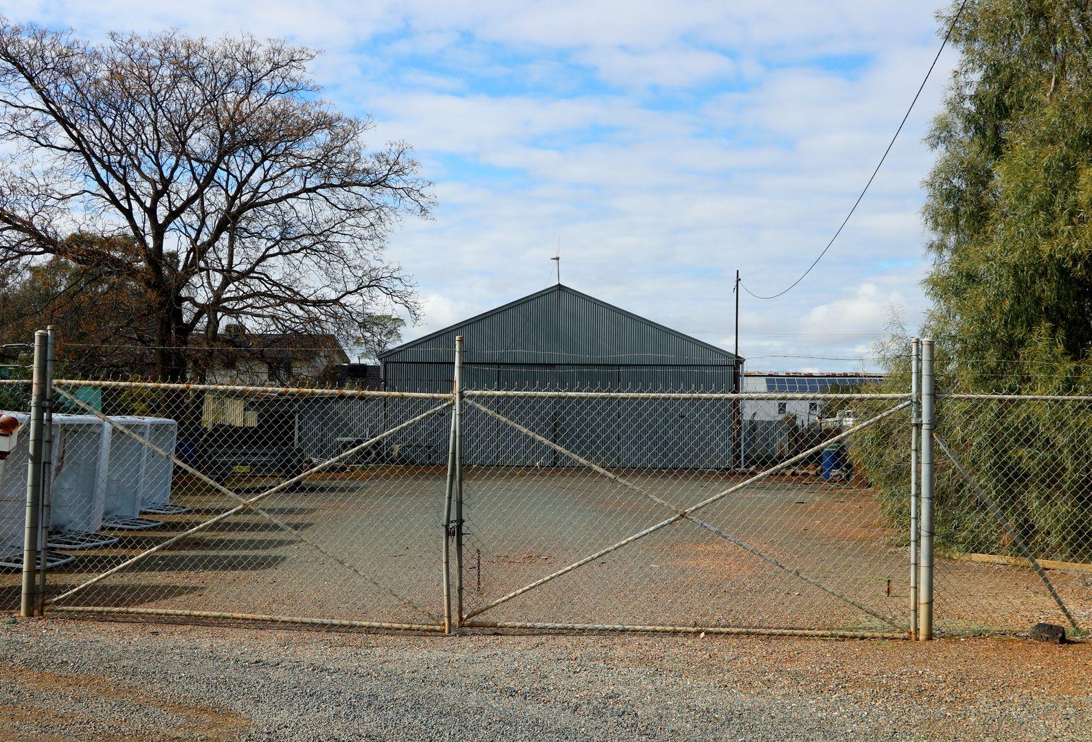 37 PEARCE STREET, Parkes NSW 2870, Image 0