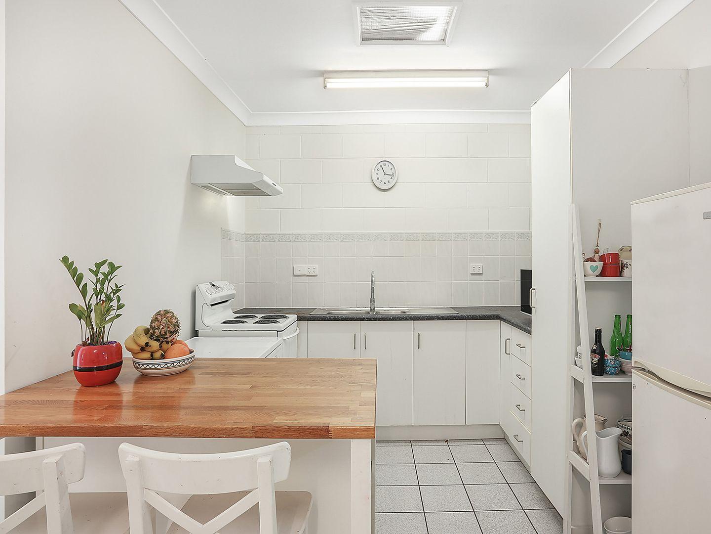 3/18 Redpath  Street, North Ward QLD 4810, Image 0