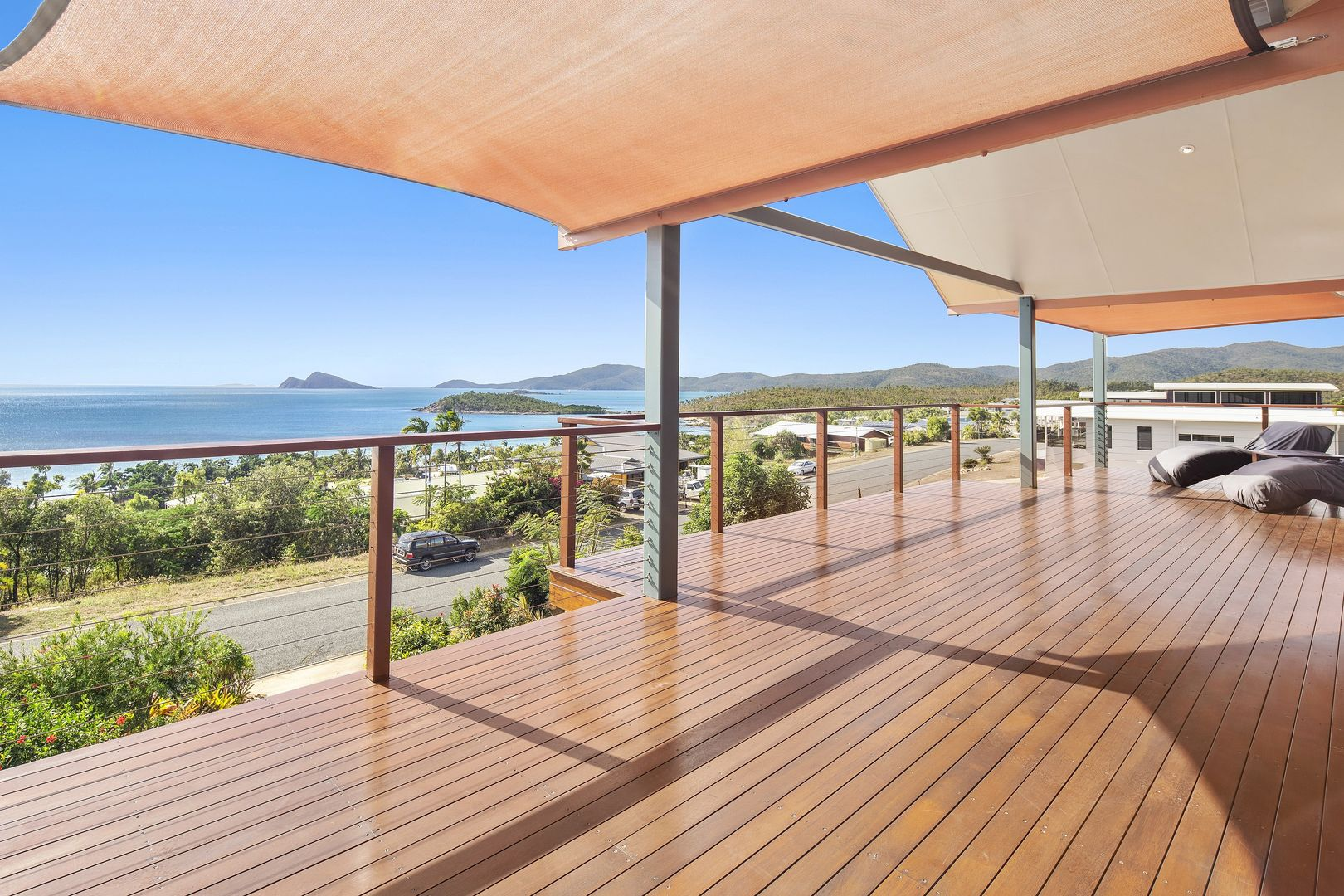 10 Blackcurrant Drive, Hideaway Bay QLD 4800, Image 2
