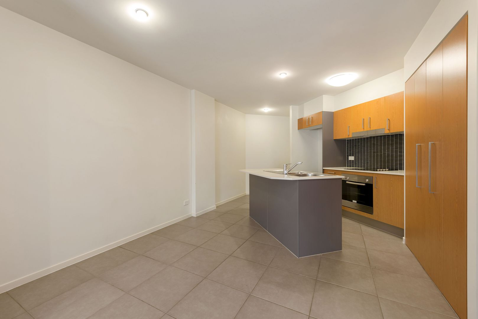 4/2 Fitzroy Street, Cleveland QLD 4163, Image 2