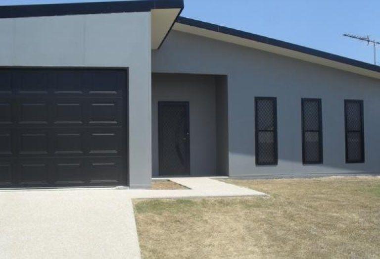 33 Manna St, Blackwater QLD 4717, Image 0
