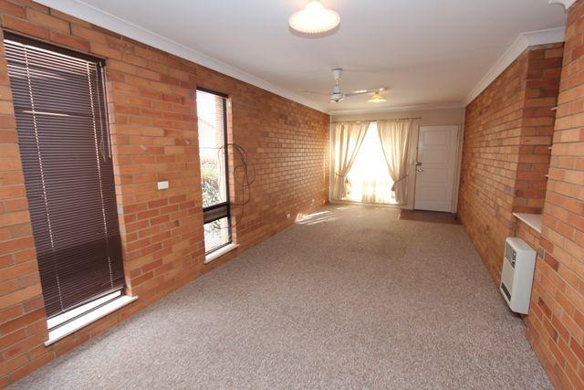 176 Rankin St, Bathurst NSW 2795, Image 2