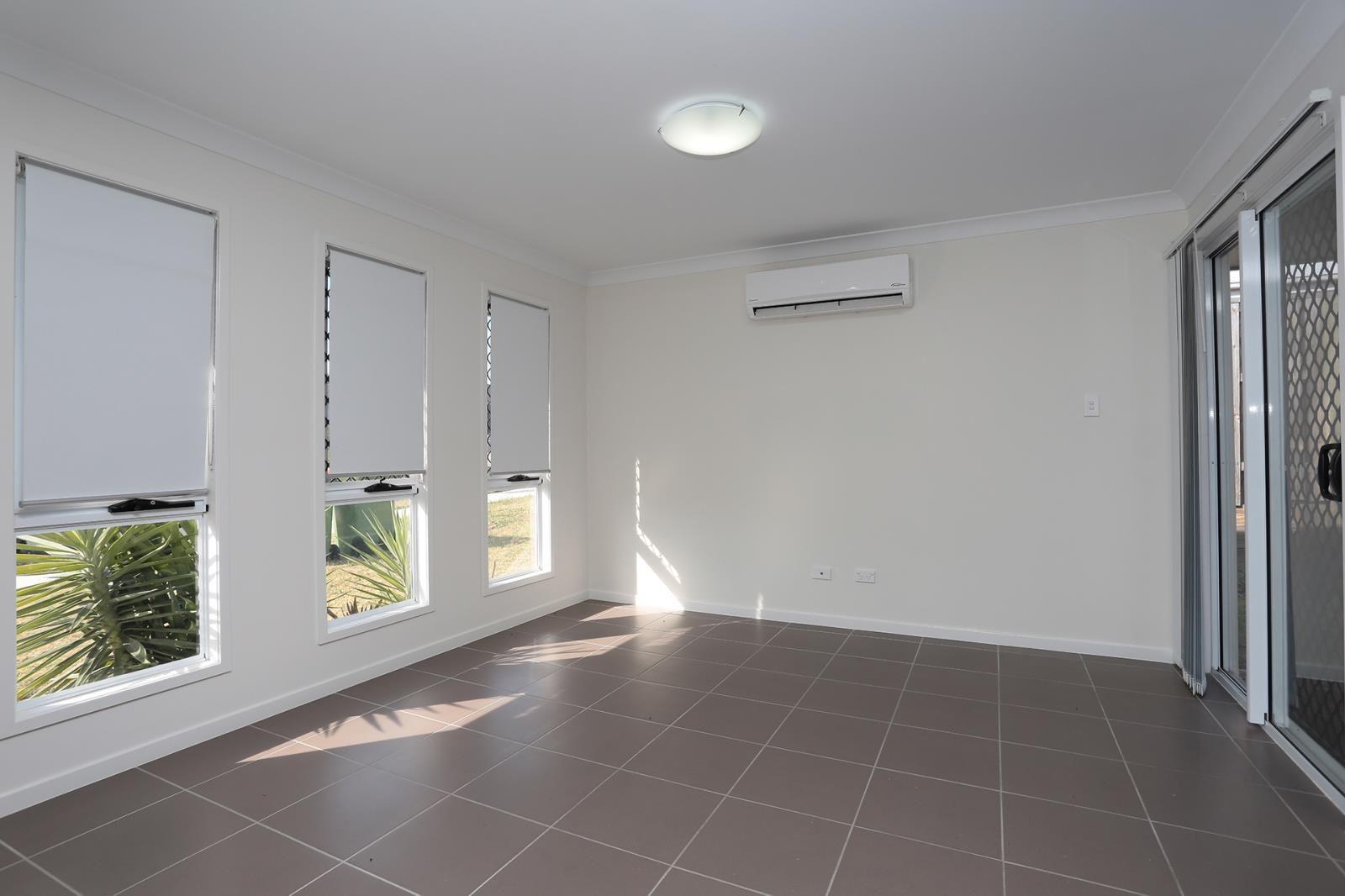 2/5 Melville Drive, Brassall QLD 4305, Image 2