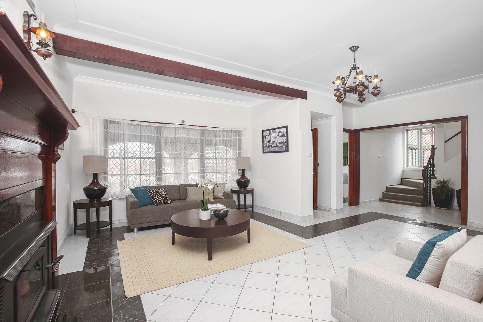 3 Robbins Street, Fairfield West NSW 2165, Image 0