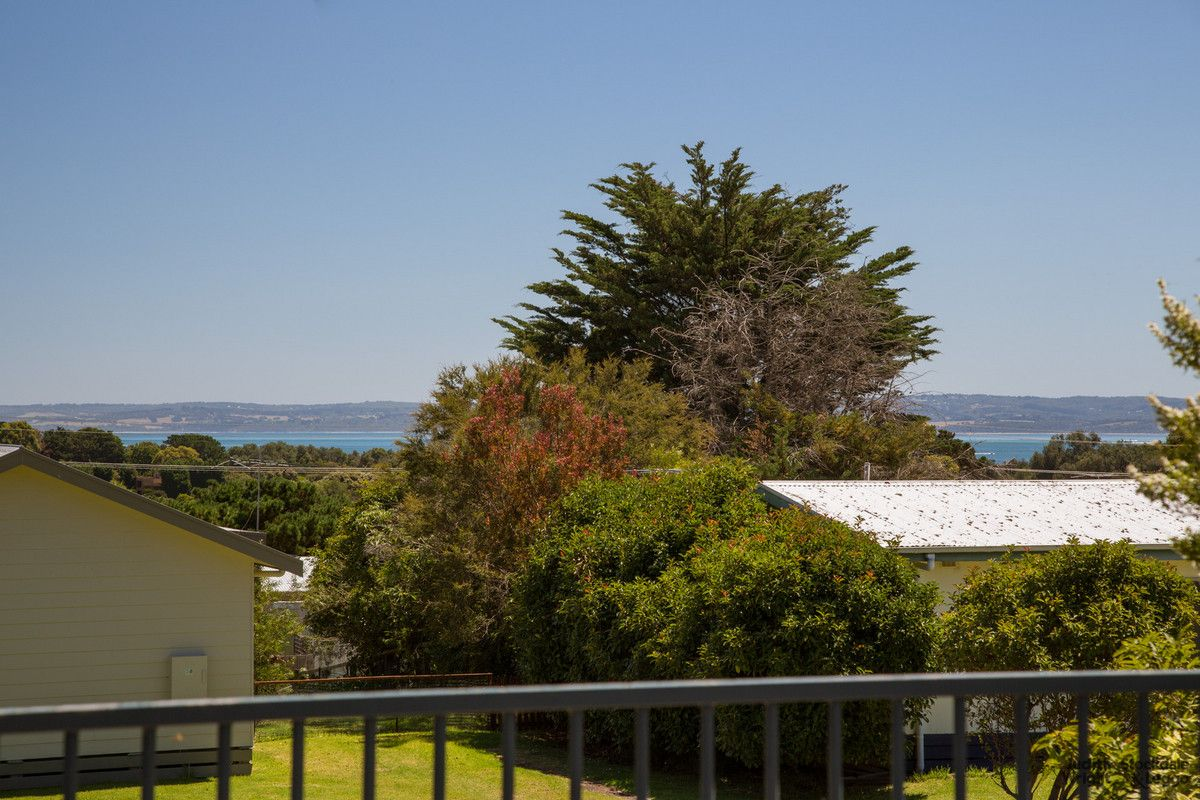 35 Bayview Drive, Cowes VIC 3922, Image 2