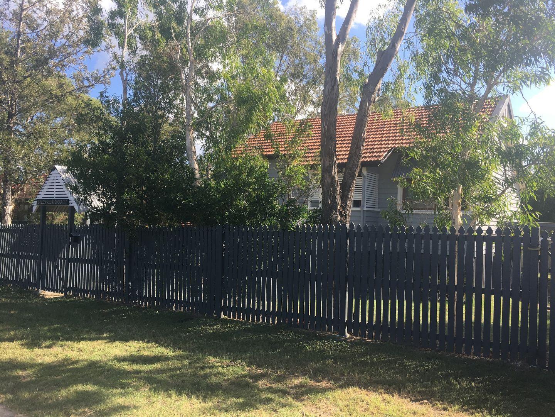 4 Greasley Street, Tivoli QLD 4305, Image 2