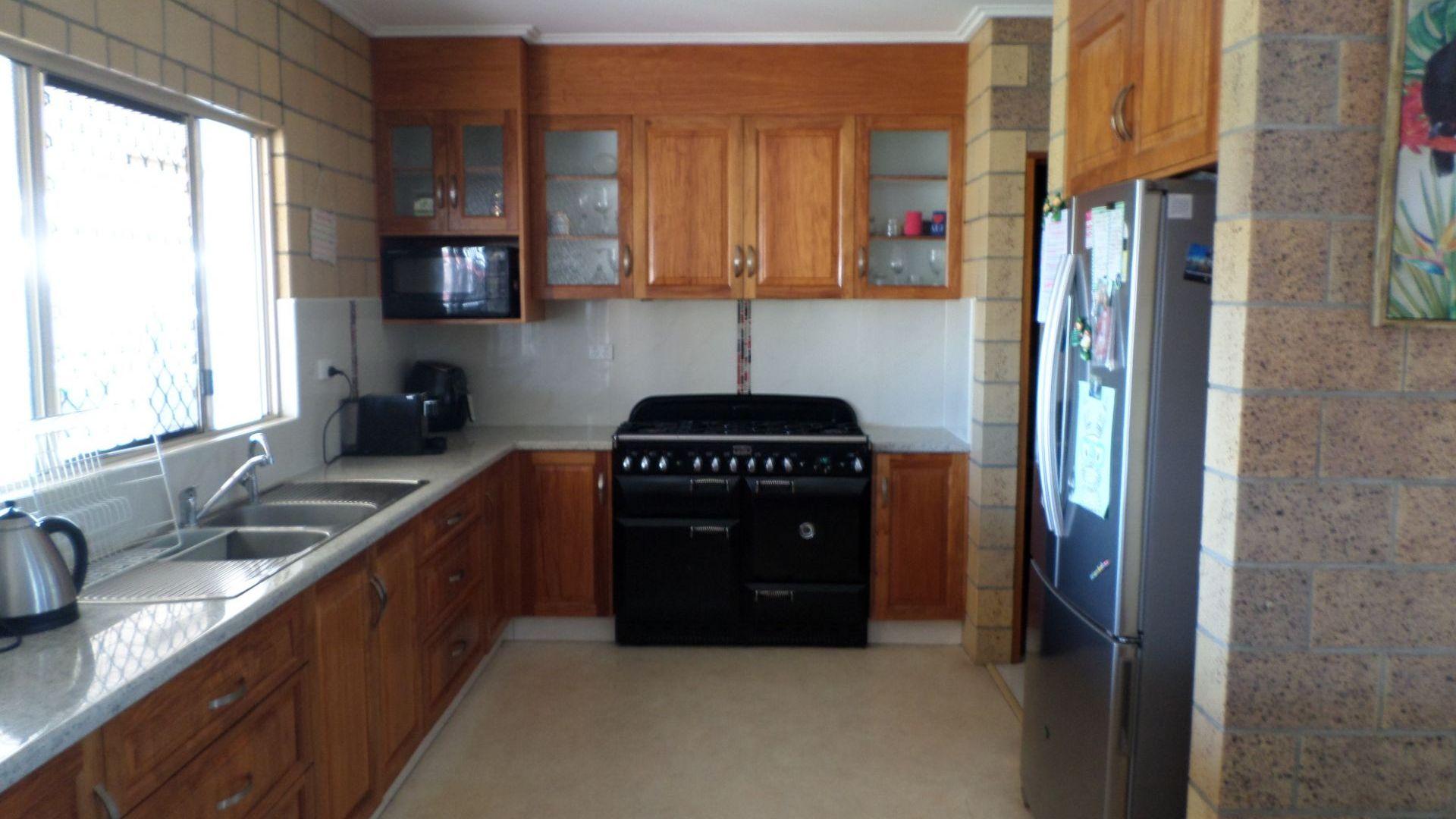 74-76 Flemington Rd, Bowen QLD 4805, Image 2