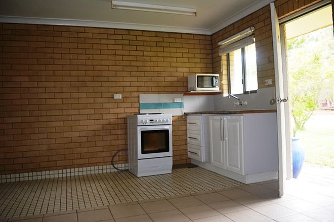 Picture of 5/14 Hawthorn Street, BLACKALL QLD 4472