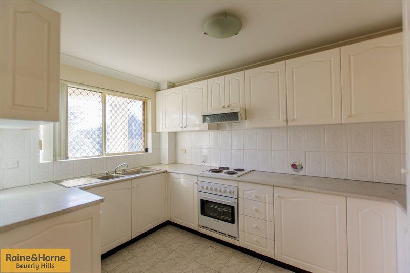 4/38 Hampden Street, Beverly Hills NSW 2209, Image 2