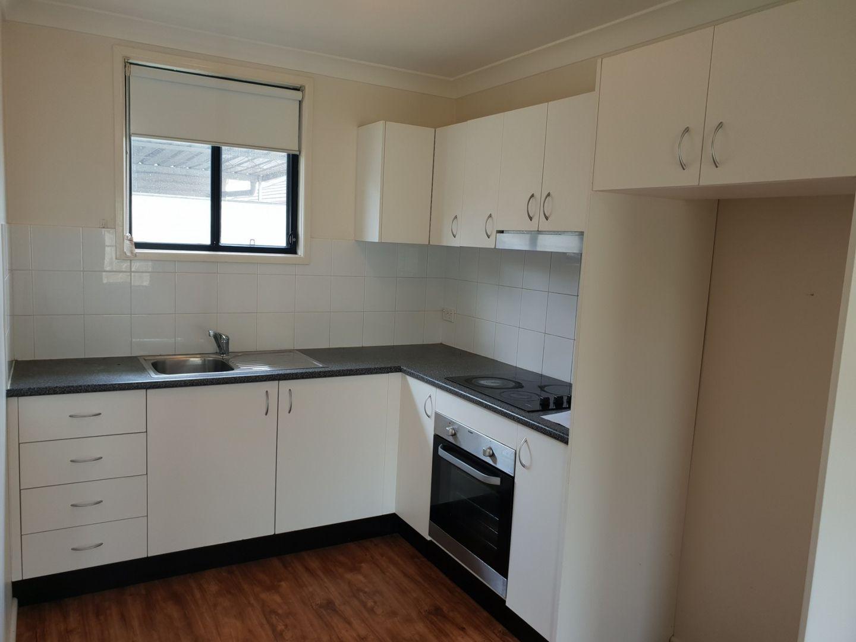 16A Dampier Crescent, Fairfield West NSW 2165, Image 1