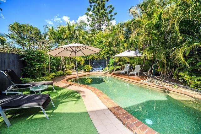 28 Glenelg Avenue, Mermaid Beach QLD 4218, Image 0