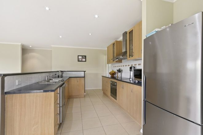 Picture of 7 Gatehouse Drive, EASTWOOD VIC 3875