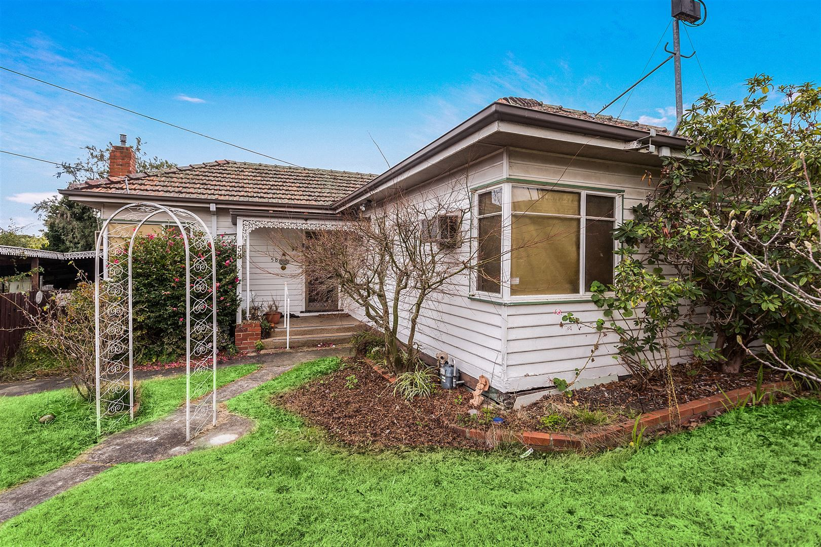 58 Larch Cresent, Mount Waverley VIC 3149, Image 2