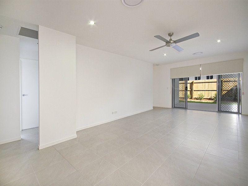 1/2 Waterway Drive, Birtinya QLD 4575, Image 2