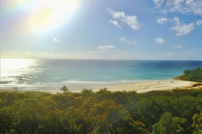 Picture of 25 Yarrong Road, POINT LOOKOUT QLD 4183