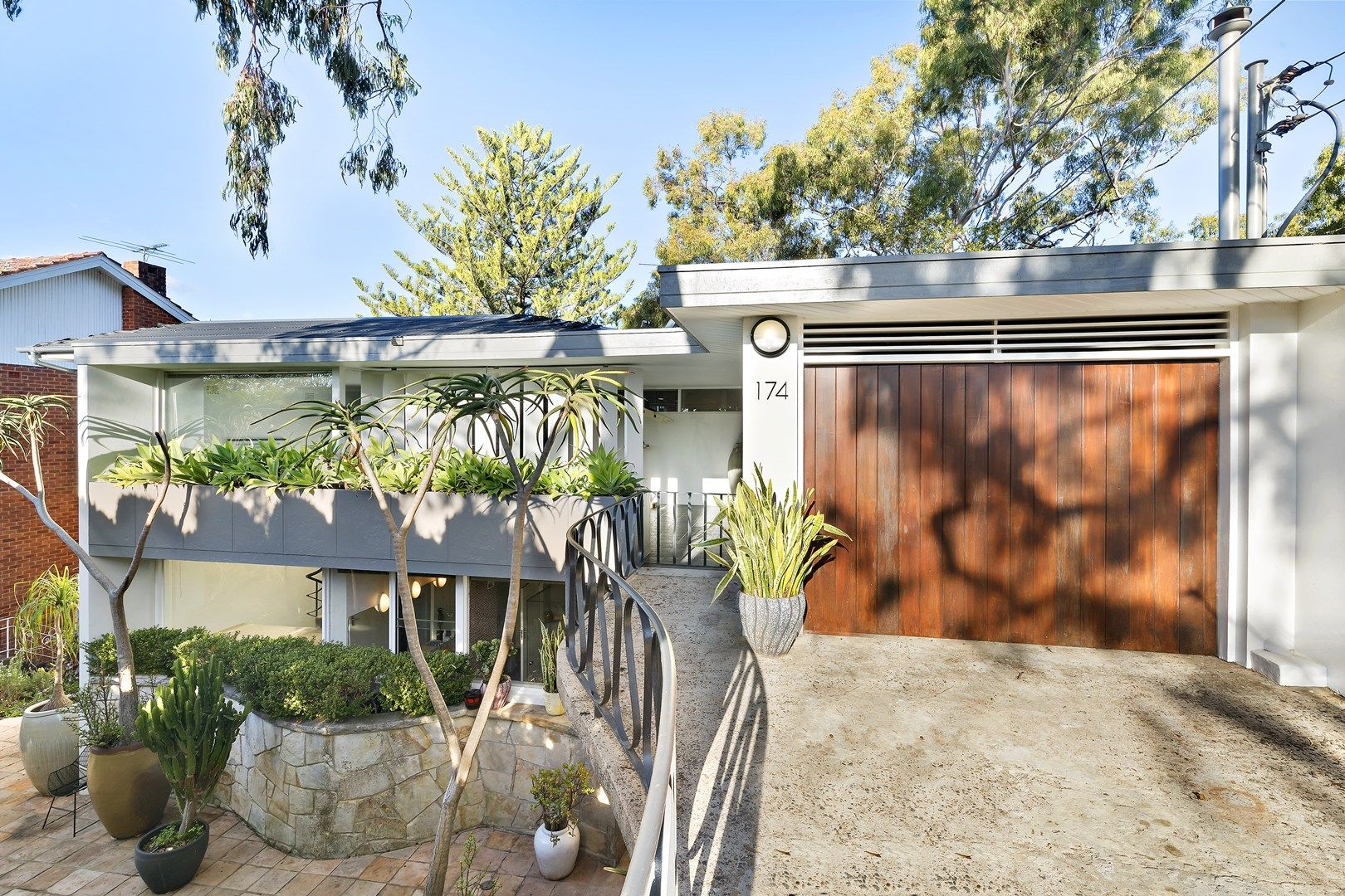 174 Edinburgh Road, Castlecrag NSW 2068, Image 0