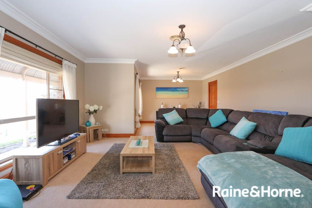 11 Cypress Crescent, Kelso NSW 2795, Image 1