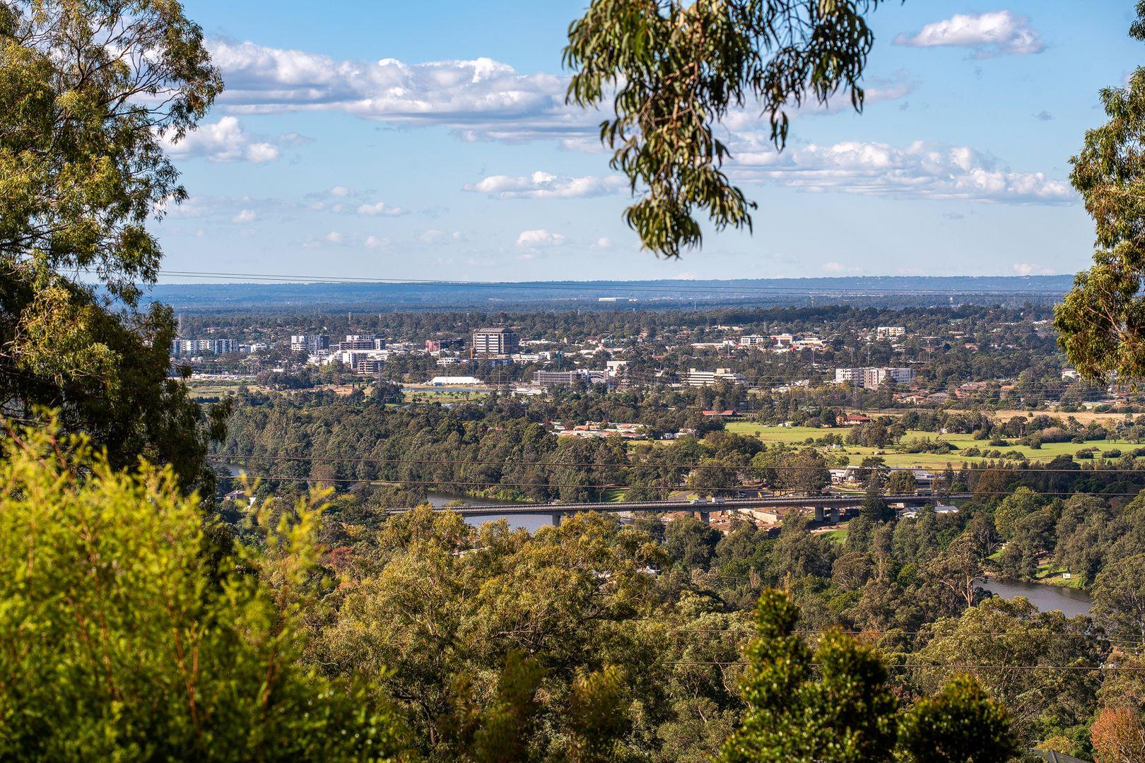 28 Darwin Drive, Lapstone NSW 2773, Image 1
