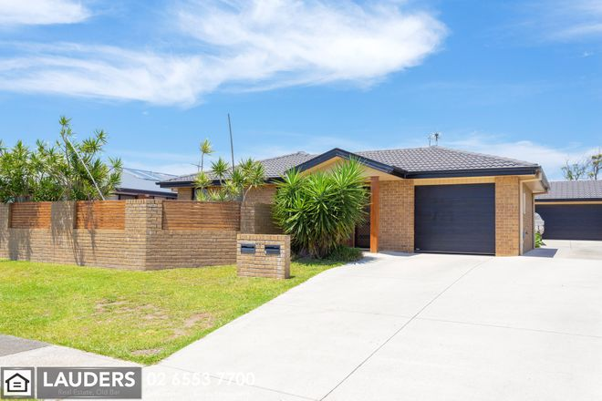 Picture of 1/11 Yellowfin Avenue, OLD BAR NSW 2430