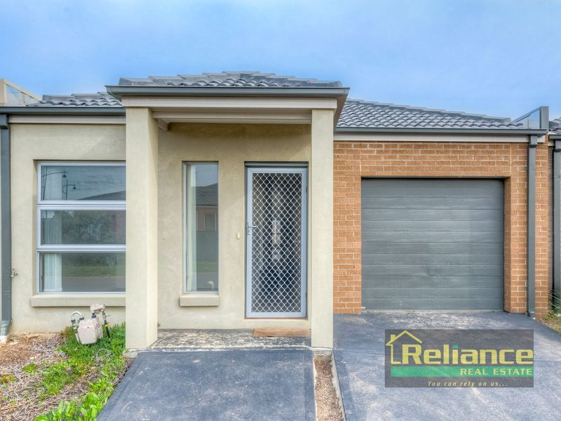3/1 Beaurepaire Drive, Point Cook VIC 3030, Image 0