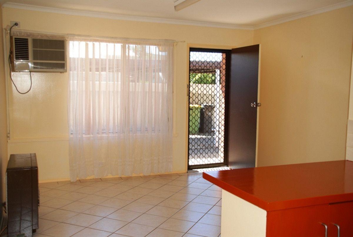 1/209 Plummer Street, South Albury NSW 2640, Image 2