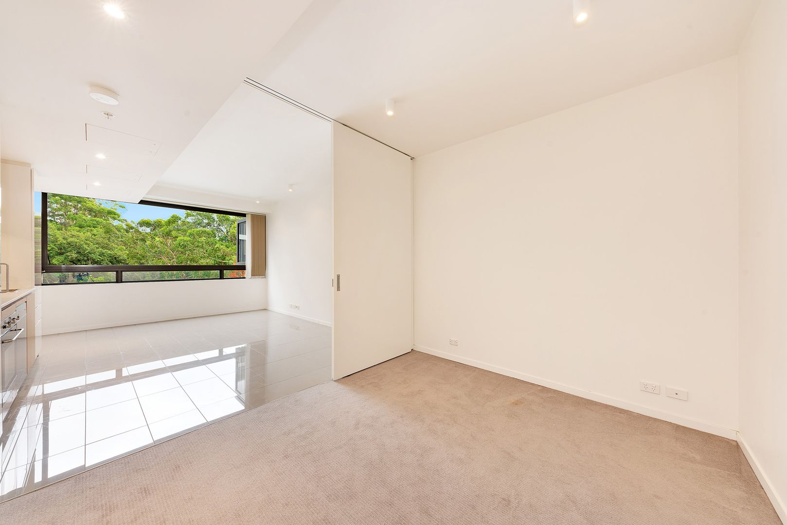 210/2 Saunders Close, Macquarie Park NSW 2113, Image 2