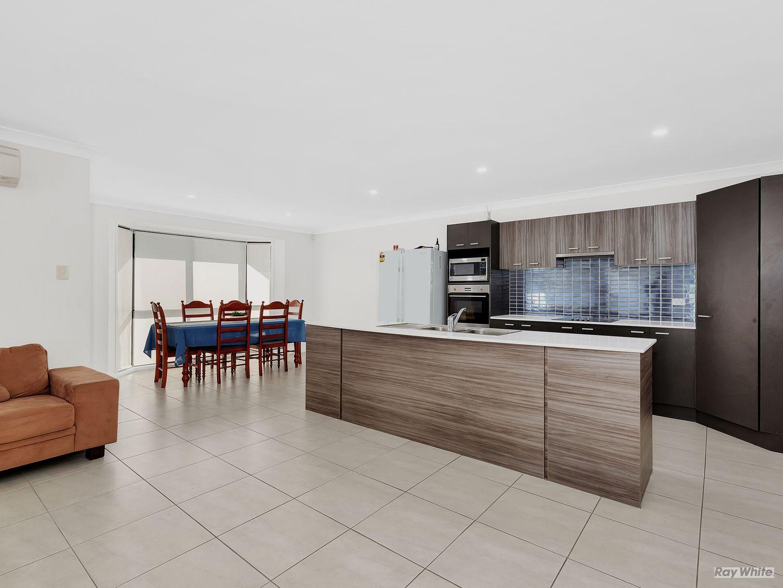 17 Holterman Crescent, Redbank Plains QLD 4301, Image 2