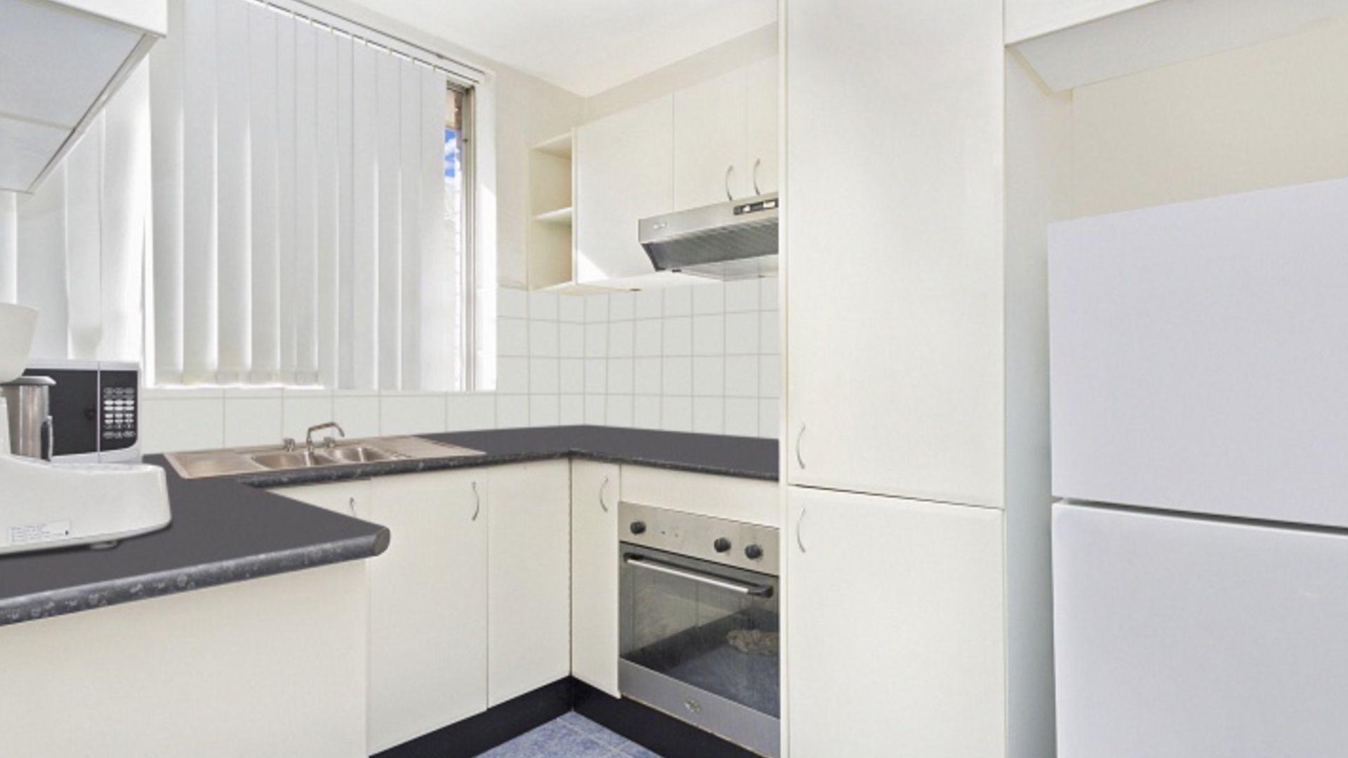 8/16 Wigram Street, Harris Park NSW 2150, Image 2