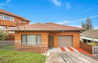Picture of 11 Karrabah Crescent, Lake Heights NSW 2502