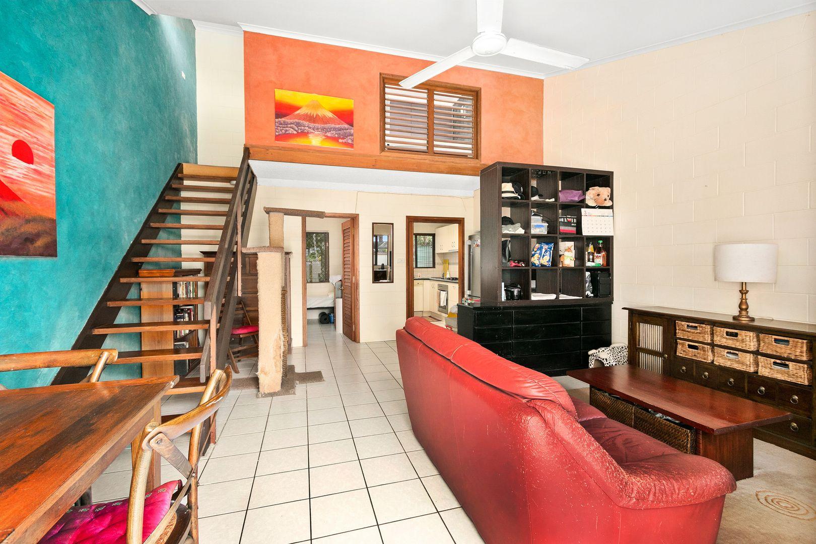 7/25-31 Hibiscus Lane, Holloways Beach QLD 4878, Image 2