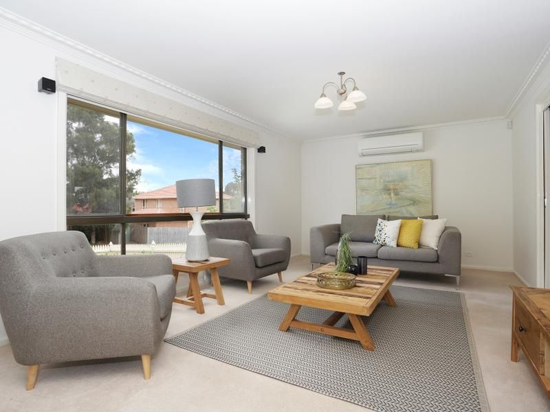 2 Pineview Close, Wheelers Hill VIC 3150, Image 2
