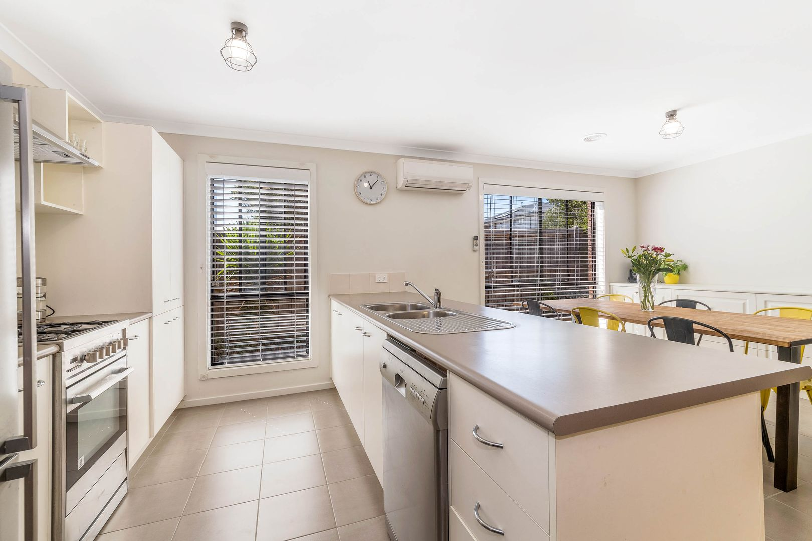 22-24 Amber Avenue, Curlewis VIC 3222, Image 2