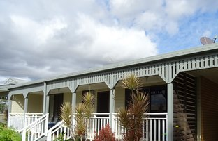 Picture of 31 Hall St, Peak Crossing QLD 4306