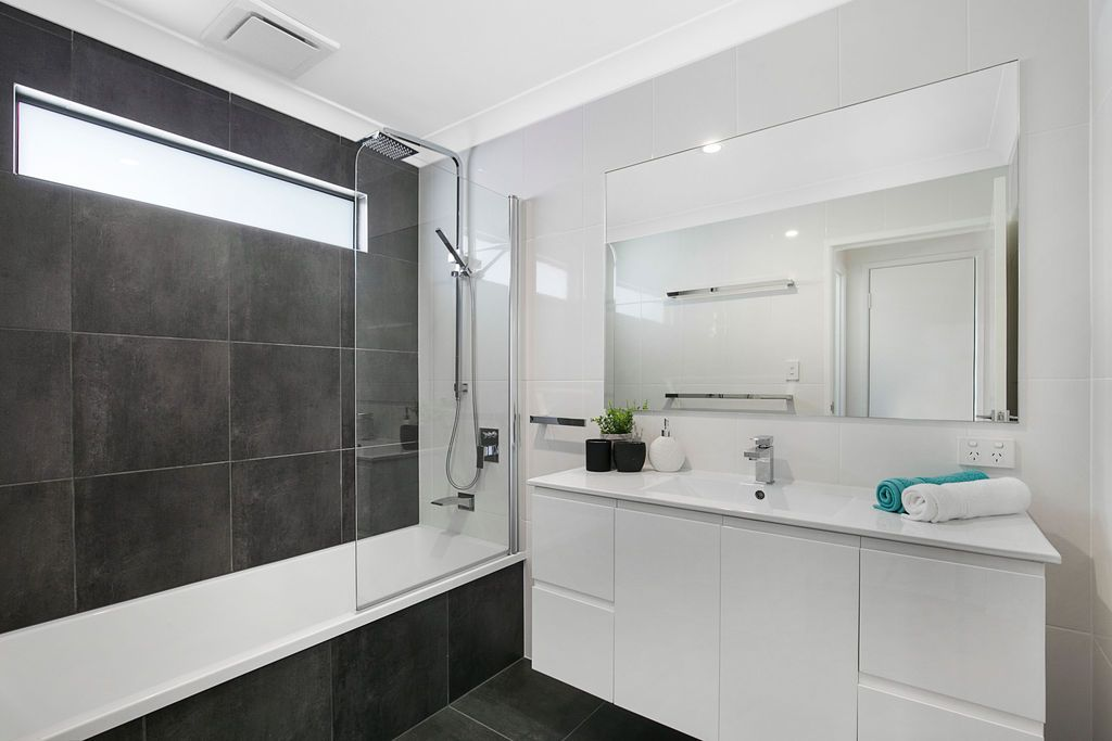 14 Blackwood Road, Manly West QLD 4179, Image 2