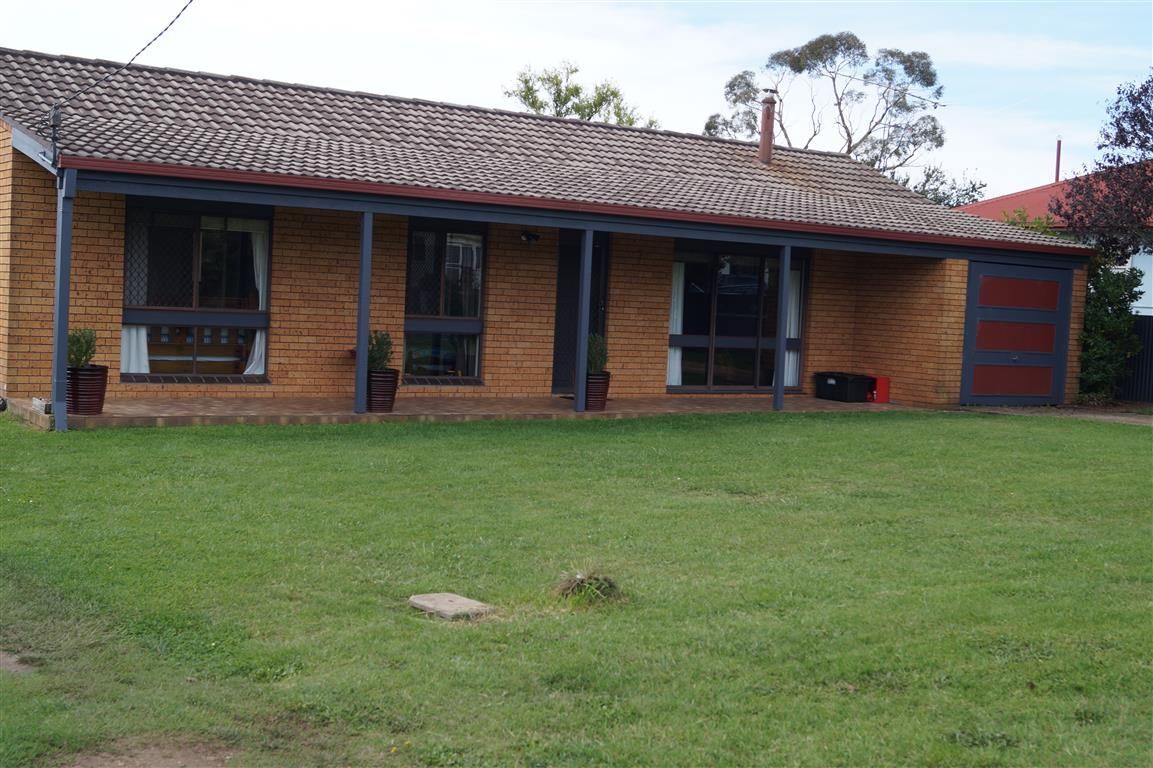 7 O'Donnell Avenue, Guyra NSW 2365, Image 0